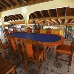 Отель Seastar Inn гостиничный бар