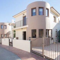 Отель Cyprus Villa Crystal 33 Gold парковка