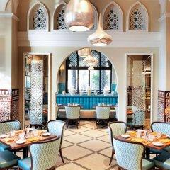 Отель Jumeirah Dar Al Masyaf - Madinat Jumeirah ОАЭ, Дубай - 2 отзыва об отеле, цены и фото номеров - забронировать отель Jumeirah Dar Al Masyaf - Madinat Jumeirah онлайн интерьер отеля