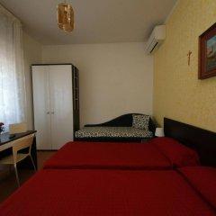 Отель Villa Lauda Италия, Римини - отзывы, цены и фото номеров - забронировать отель Villa Lauda онлайн комната для гостей фото 2