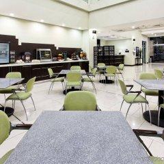 Отель Holiday Inn Express San Pedro Sula гостиничный бар