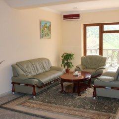 Амротс Отель комната для гостей