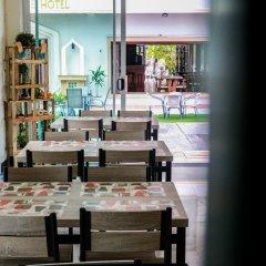 Отель Nirvana Inn питание