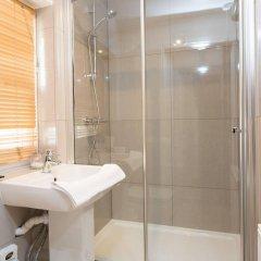 Отель Granville Hotel Великобритания, Брайтон - отзывы, цены и фото номеров - забронировать отель Granville Hotel онлайн ванная фото 2