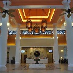 Отель Ravindra Beach Resort And Spa интерьер отеля фото 2