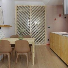 Апартаменты Easo Plaza Apartment by FeelFree Rentals питание