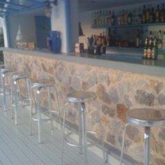 Amelie Hotel Santorini гостиничный бар