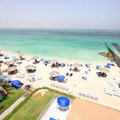 Beach Hotel Sharjah пляж