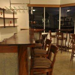 Отель Amaara Sky Канди гостиничный бар