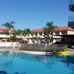 Отель Faros бассейн