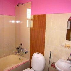 Отель Orchid Непал, Покхара - отзывы, цены и фото номеров - забронировать отель Orchid онлайн ванная фото 2