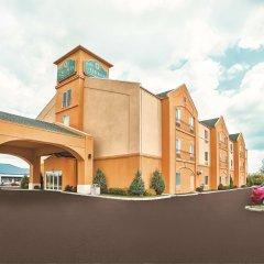 Отель La Quinta Inn & Suites Columbus West - Hilliard США, Колумбус - 1 отзыв об отеле, цены и фото номеров - забронировать отель La Quinta Inn & Suites Columbus West - Hilliard онлайн парковка