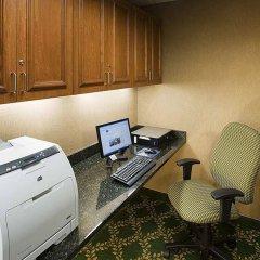Отель Hampton Inn & Suites Tulare интерьер отеля фото 2
