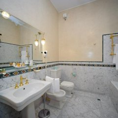 Hotel Villa La Bollina Серравалле-Скривия ванная