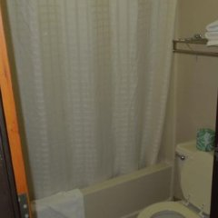 Отель Econo Lodge Columbus ванная фото 2