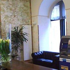 Отель Praga 1 Прага банкомат