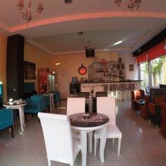 Отель Serenity Албания, Тирана - отзывы, цены и фото номеров - забронировать отель Serenity онлайн гостиничный бар