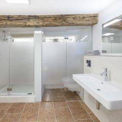 Отель APT - Stone Lodge Salzburg Зальцбург ванная