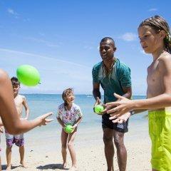 Отель Outrigger Fiji Beach Resort Фиджи, Сигатока - отзывы, цены и фото номеров - забронировать отель Outrigger Fiji Beach Resort онлайн спортивное сооружение