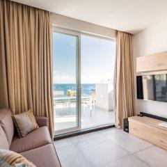 Отель Saint Julian's - Spinola Bay Apartment Мальта, Сан Джулианс - отзывы, цены и фото номеров - забронировать отель Saint Julian's - Spinola Bay Apartment онлайн комната для гостей фото 4