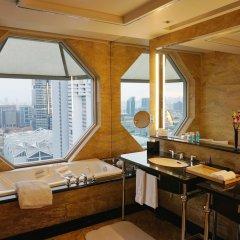 Отель The Ritz-Carlton, Millenia Singapore ванная