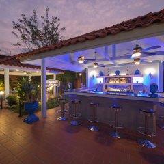 Отель Pictory Garden Resort гостиничный бар