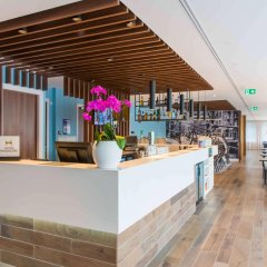 Отель Hampton by Hilton Amsterdam Centre East гостиничный бар