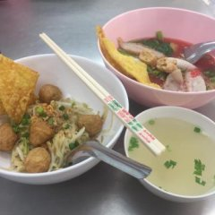 Inn Trog And Inn Soi - Hostel - Adults Only Бангкок питание