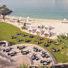 Traders Hotel Qaryat Al Beri Abu Dhabi, by Shangri-la пляж фото 2