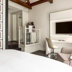 Отель NH Collection Amsterdam Barbizon Palace 5* Номер категории Премиум с различными типами кроватей