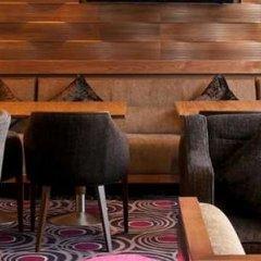 Отель DoubleTree by Hilton London Victoria развлечения