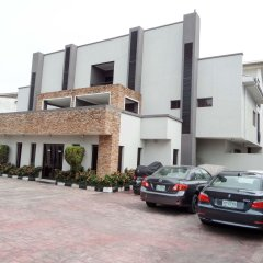 Отель S&S Hotels and Suites парковка