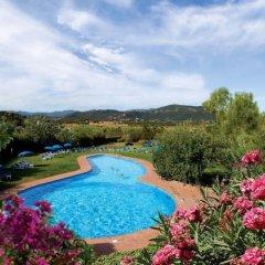 Отель Baia Chia - Chia Laguna Resort Италия, Домус-де-Мария - отзывы, цены и фото номеров - забронировать отель Baia Chia - Chia Laguna Resort онлайн бассейн фото 2