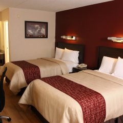 Отель Red Roof Inn & Suites Columbus - W. Broad комната для гостей фото 6