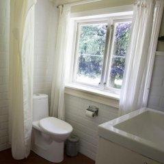 Отель Torpet Mon Hotel Швеция, Иттербю - отзывы, цены и фото номеров - забронировать отель Torpet Mon Hotel онлайн ванная