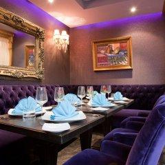 Отель Art Palace Suites & Spa - Châteaux & Hôtels Collection гостиничный бар