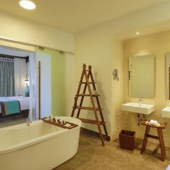 Отель Royal Zanzibar Beach Resort All Inclusive ванная фото 2