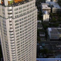 Отель Marriott Sukhumvit Бангкок парковка