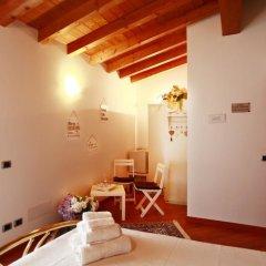 Отель B&B Campovolo Монцамбано комната для гостей