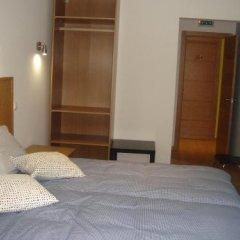 Отель Downtown Guest House Лиссабон сейф в номере