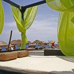 Отель Thera Mare Hotel Греция, Остров Санторини - 1 отзыв об отеле, цены и фото номеров - забронировать отель Thera Mare Hotel онлайн бассейн фото 2