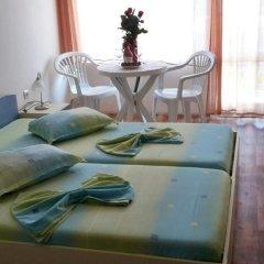 Отель Brilliantin Guest House Свети Влас в номере