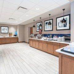 Отель Hampton Inn & Suites Newburgh Stewart Airport Ny Ньюберг питание