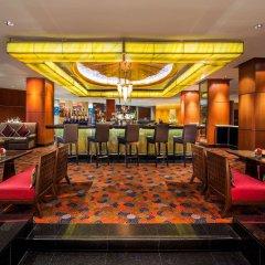 Royal Orchid Sheraton Hotel & Towers интерьер отеля фото 2