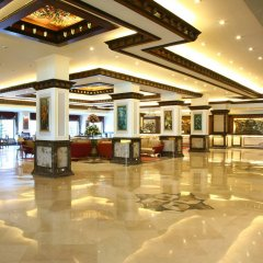 Отель The Suryaa New Delhi интерьер отеля