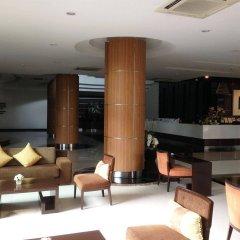 Отель August Suites Pattaya Паттайя гостиничный бар