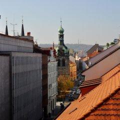 Отель Opera Hotel Чехия, Прага - 10 отзывов об отеле, цены и фото номеров - забронировать отель Opera Hotel онлайн балкон