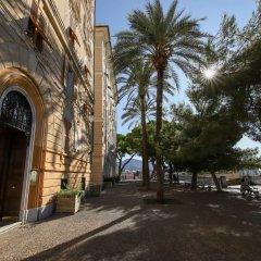 Отель Hintown Spianata Castelletto Генуя вид на фасад