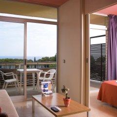 Отель Aparthotel Comtat Sant Jordi комната для гостей