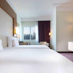 Отель Pullman Dubai Jumeirah Lakes Towers комната для гостей